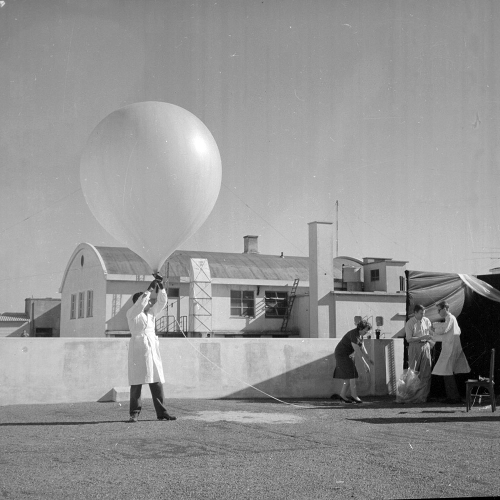 Launching a ball for measuring cosmic radiation